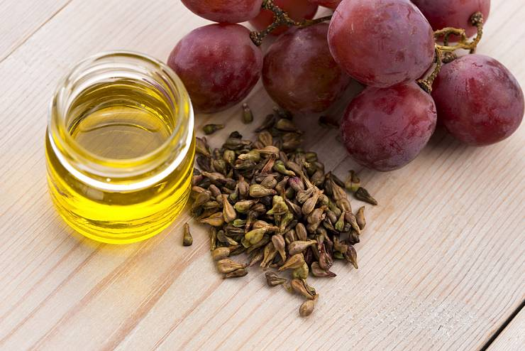 Vitis Vinifera - grape seed oil with seeds and bottle
